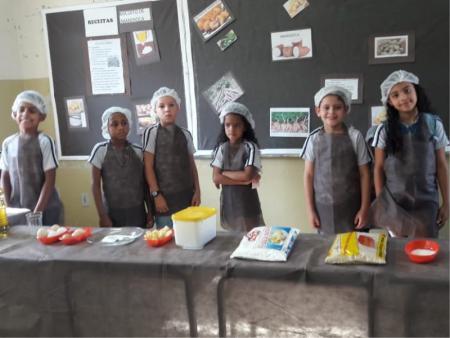 Secretaria de Educação de Papagaios promove a III Feirinha Gastronômica