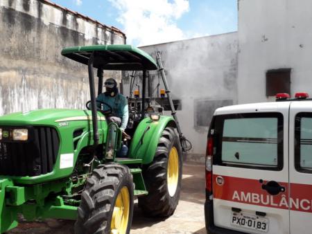 Prefeitura de Papagaios faz higienização e limpeza de ruas para ajudar no combate ao Coronavírus